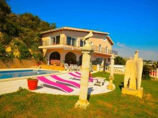 Maison piscine, proche plage  vue sur mer Manel 4 chambre - Lloret de Mar vacation rentals