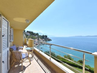 Two bedroom spacious sea-view apartment A1 Vera (4+2) - Mimice vacation rentals
