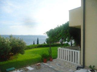 One bedroom sea-view apartment A2 Vera (2+2) - Mimice vacation rentals