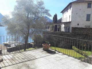 Apartment in Ossuccio directly on the lake - Ossuccio vacation rentals
