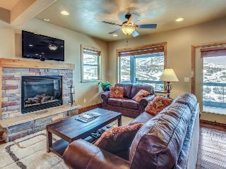 Contemporary alpine retreat w/private hot tub, master jetted tub, & more! - Park City vacation rentals