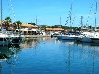 Front de mer, appartement 6 personnes, piscine, parking - Saint Raphaël vacation rentals