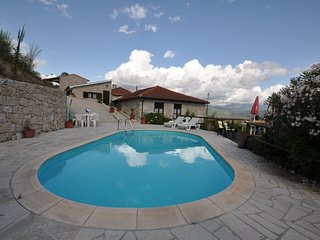 Adorable 5 bedroom Celorico de Basto House with Parking - Celorico de Basto vacation rentals