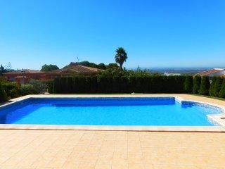 Alquiler vacacional casa con piscina en la urbanización Bellavista, Costa Brava - Palau-Saverdera vacation rentals