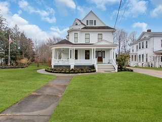 Nice House with Internet Access and A/C - Greenport vacation rentals