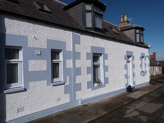 Gull Cottage. Fisher-folks cottage, close to sea. WIFI.  Pet welcome - Portknockie vacation rentals