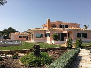 Villa Rosmaninho - 5 bedroom villa with outstanding gardens, close to beaches - Lagoa vacation rentals