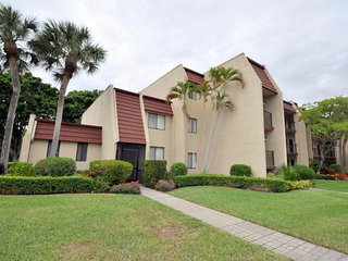 Fountains Golf & Tennis Country Club - 2BR,2BA - Golf View Condo (3 Mth Rental) - Greenacres vacation rentals