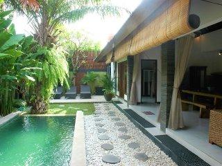 LEGIAN 4 Bed Villa - Breakfast - Great Location je - Legian vacation rentals