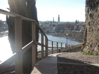 La casetta nel borgo (vic. Terme Verona Aquardens) - Pescantina vacation rentals
