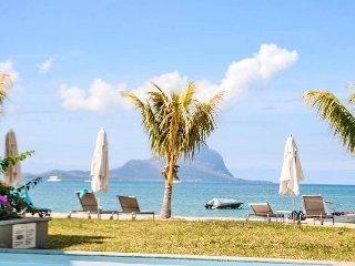 L'Escale Seaview 3 Bedrooms Apartment - Tamarin vacation rentals