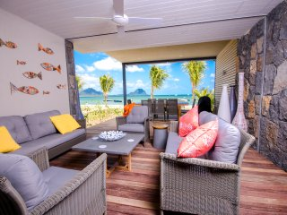 L'Escale Seaview 2 Bedrooms Apartment - Tamarin vacation rentals