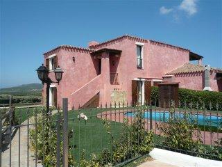 Villa Renoir con giardino e piscina privata, 10 posti letto. Vista mare! - Stintino vacation rentals