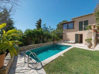 GENOVIA - villa in Gènova, near Palma de Mallorca, for 4 or 6 people - Cala Major vacation rentals