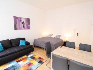 checkVienna - Hagenmüllergasse - Comfort - Vienna vacation rentals