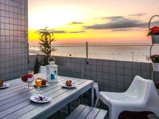 APT IIN LISBON ORIENTE 25 | Apartamento com 2 Quartos, Terraço e Vista Rio - Moscavide vacation rentals