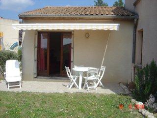 Comfortable 1 bedroom Saint-Martin d'Ardeche House with Internet Access - Saint-Martin d'Ardeche vacation rentals