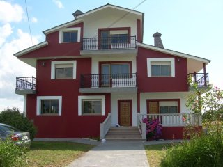 Perfect House with A/C and Satellite Or Cable TV - Lugo vacation rentals