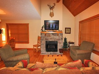 Sleepy Hollow Cabin-Pet Friendly 1 bedroom/1 cabin located at StoneBridge - Branson West vacation rentals