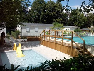 Bungalow with 2 rooms in Lasseube, with pool access and enclosed garden - Lasseube vacation rentals