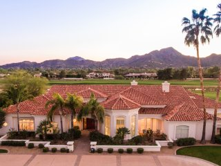 Sleeps 26 Stunning Views Paradise Valley Scottsdale Golf Course 6 bedrooms - Paradise Valley vacation rentals