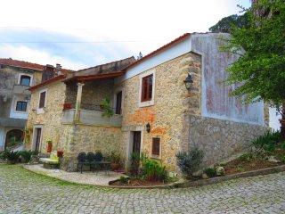 Perfect 3 bedroom House in Porto de Mos with Internet Access - Porto de Mos vacation rentals