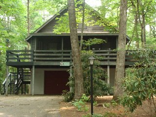 Wonderful Cottage with Deck and Internet Access - Fleetwood vacation rentals