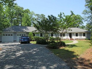 Nice House with A/C and Satellite Or Cable TV - Kilmarnock vacation rentals