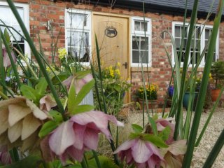 3 (4) luxury two bedroom self-catering in village - Pewsey vacation rentals