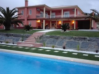 2 bedroom House with Internet Access in Sobral de Monte Agraco - Sobral de Monte Agraco vacation rentals
