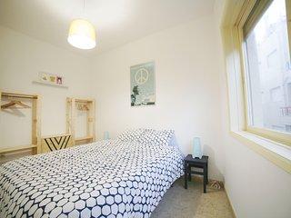 2 bedroom Apartment with Housekeeping Included in Povoa de Varzim - Povoa de Varzim vacation rentals
