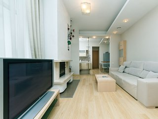 4-room. VIP. 6 Zankovetskoi str. Near a Kreschatik - Kiev vacation rentals