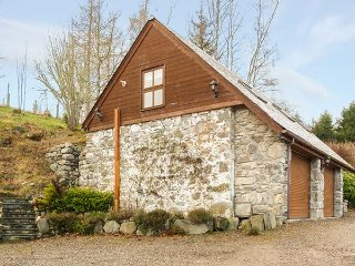 LAKEFIELD APARTMENT, ground floor barn conversion, lovely countryside - Drumnadrochit vacation rentals