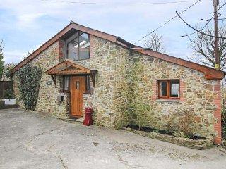 DILLY DALLY BARN, detached conversion, woodburner, WiFi, single-storey - Bradworthy vacation rentals
