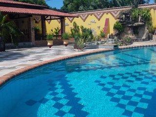 excellent location-big green area - Paracuru vacation rentals