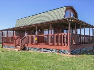 Lover's Cabin on the Appalachians - Murfreesboro vacation rentals