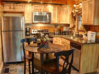 Romantic Cabin with Deck and Central Heating - Sevierville vacation rentals
