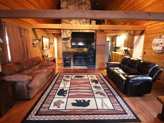 Lake View Hike to LakeSecluded 2mi to SDC Beautiful Log Cabin Retreat Sleeps 12 - Indian Point vacation rentals