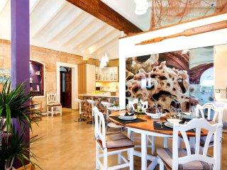 Nice 2 bedroom Ciudadela House with Internet Access - Ciudadela vacation rentals