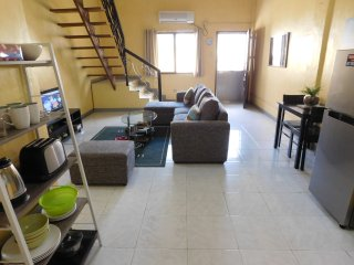 BEST VALUE 5 [Huge Living & Kitchen] Angeles Apart - Angeles vacation rentals