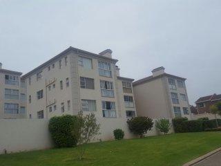 Hartenbos Apartment - Clean, safe, Sleeps 6 - Hartenbos vacation rentals