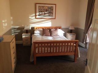 Cozy 2 bedroom Cottage in Sunderland with Washing Machine - Sunderland vacation rentals