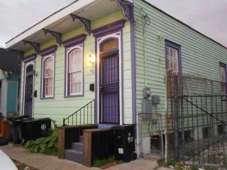 Great Marigny location!  Half a shotgun double.  Live like a local! - New Orleans vacation rentals