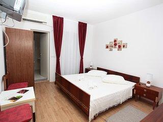 Beautiful 1 bedroom Marina Bed and Breakfast with Internet Access - Marina vacation rentals