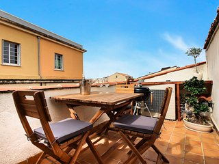 2 Bedroom Townhouse Full of Character in the Heart of Old Town - Antibes vacation rentals