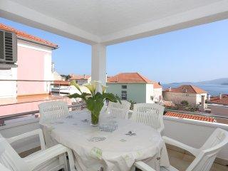 Beautiful 2 bedroom Bozava Apartment with Internet Access - Bozava vacation rentals