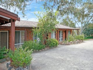 Sponars Onshore Apartment 1 - Right by the lake - Jindabyne vacation rentals