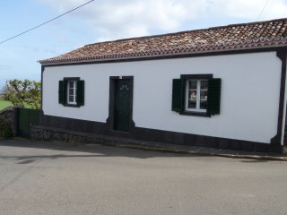Lovely 2 bedroom House in Sao Vicente Ferreira - Sao Vicente Ferreira vacation rentals