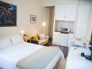 Home Made Guest Studios - Studio D. Maria - Porto vacation rentals