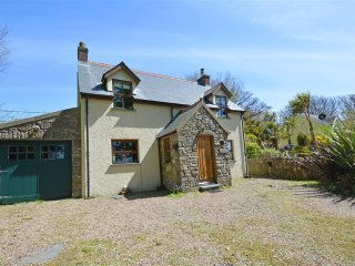 Cozy 3 bedroom Manorbier Cottage with Internet Access - Manorbier vacation rentals